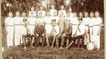 Vor genau 100 Jahren wurde der damalige Turnverein Memprechtshofen ins Leben gerufen. Das Foto zeigt die erste Turnriege im Gründungsjahr.