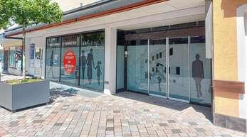 """Im Oktober ist eine Neueröffnung im ehemaligen """"Treff""""-Markt in der Hauptstraße 35 geplant. Die Ladenfläche ist inzwischen zweigeteilt."""