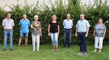 Neu gewählter Vorstand: Michael Held (Beisitzer), Romeo Marzluf (Schatzmeister), Siglinde Fiesel (verabschiedete Beisitzerin), Ilsetraud Lutz (Beisitzerin), Klaus Mittenmüller (stv. Vorsitzender), Hans Roser (Vorsitzender) und Laura Hummel (Schriftführerin).