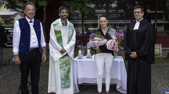 Die Gutacher Kindergartenleiterin Annette Furtwängler wurde im Rahmen eines ökumenischen Gottesdienstes verabschiedet. Von links Bürgermeister Siegfried Eckert sowie die Pfarrer Savio Vaz und Dominik Wille.