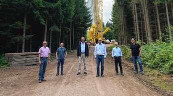 Besuchten das Windrad auf dem Langenhard bei Lahr: von links Erik Füssgen, Tobias Vespermann, OB Matthias Braun, Andreas Markowsky, Hans-Jürgen Kiefer, Peter Bercher.