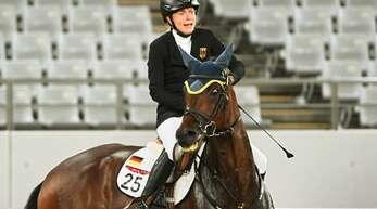 Annika Schleu und ihr zugelostes Pferd Saint Boy waren im Springparcours beim Modernen Fünfkampf überfordert.