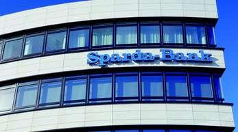 Die Sparda-Bank will Kunden, die Erstattungen fordern, die Gebühren erhöhen.