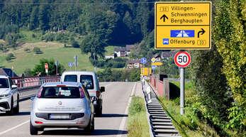 Auf der B33 bei Berghaupten gibt es keinen Grund für ein Tempolimit für Lkw über 7,5 Tonnen, weil sie ohnehin schon nicht schneller als 60 fahren dürfen.