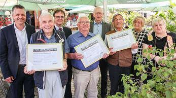 Thorsten Frei (links) sowie die Stadtverbands-Spitze Kordula Kovac (von rechts) und Ursula Tibaldi ehrten die Wolfacher CDU-Urgesteine Klaus Bea, Walter Schmider, Reinhard Nitsche, Peter Ludwig und Paul Schmieder.