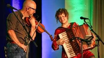 Der texanische Geiger Michael Poelchau und die Sängerin und Akkordeonistin Franziska Gabriel gehörten neben Steffen Gabriel zu den Melodieträgern des Quartetts.