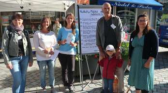 Der Verein Paula sammelte Wünsche für eine fahrradfreundliche Stadt. Mit dabei waren (von links) Melanie Frühe, Dorothee Eggert, Sabine Streif, Udo Woelki mit Enkelin Vanja und Janique Woelki.