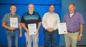 Ehrungen beim TTC Steinach (von links): Volker Schwörer, Herbert Heizmann, Vorsitzender Thomas Kammerer und Ehrenvorsitzender Xaver Schwendemann