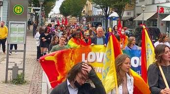 """Am Sonntag fand in Offenburg eine Demo zum bundesweiten Aktionstag der Initiative""""Grundgesetz für Alle"""" statt."""