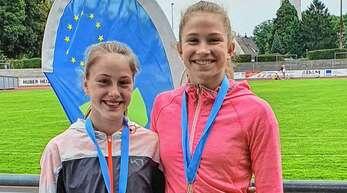Maya Schuler (links) und Leonie Geiler nutzten den Heimvorteil bei den Eurodistrict-Meisterschaften.