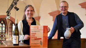 """Eva Peichl und Marcel Oertwig freuen sich auf viele Besucher beim Gottesdienst """"Dank und Segen""""."""