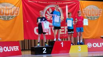 Luan Wolber (links) stand am Wochenende als erster Badminton-Jugendspieler des FC Kirnbach auf dem Podest der zweithöchsten deutschen Rangliste bei den SüdOst in Waghäusel.