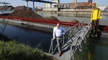 """""""Wohnbebauung ist der Tod eines jeden Hafens"""", sagt Hafendirektor Volker Molz."""
