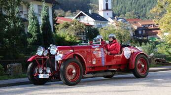 """Die """"Schwarzwald-Rallye für Genießer"""" war in der Tat ein Genuss für die Oldtimerfreunde: 120 Oldies von den 1920er- bis in die 1970er-Jahre waren dabei."""