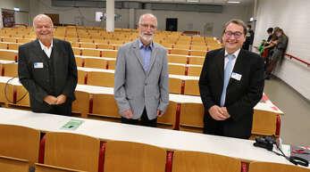 Bei der Veranstaltung zu 50 Jahren Hochschule Kehl gaben unter anderem der amtierende Rektor Joachim Beck (rechts) sowie die Alt-Rektoren Paul Witt (links) und Hans-Jürgen Sperling Einblicke in die Geschichte der Hochschule.