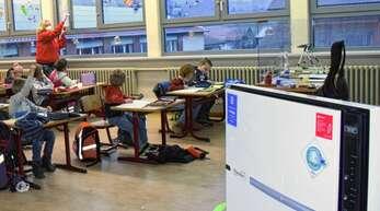 Luftfiltergeräte wie hier an einer Grundschule in Oberachern soll es an der Hofstetter Grundschule nicht in jedem Klassenzimmer, aber in jeder Kindergartengruppe geben.