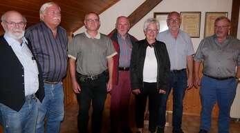 Ehrende und Geehrte (von links): Oehler Roland, Wenzel Holub, Hans-Jürgen Gebhardt, Michael Bayer, Angela Mutzig, Lucien Mutzig, Bernd Rottenecker.
