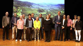 OB Matthias Braun verabschiedete gemeinsam mit Bürgermeister Christoph Lipps und den Fachbereichsleitern mehrere Mitarbeiter der Stadtverwaltung in den Ruhestand.