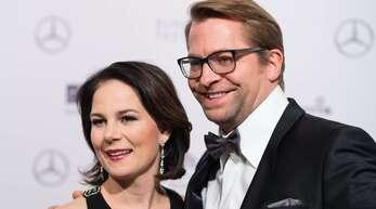 Die Grünen-Kanzlerkandidatin Annalena Baerbock mit ihrem Ehemann Daniel Holefleisch.