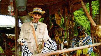 Dieses Bild aus dem Jahr 2004 zeigt eine Szene der Dschungel-Floßfahrt im Europapark.