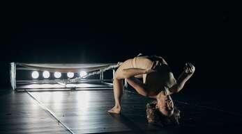 """Szene aus der neuen Tanzproduktion """"Show Down"""", die im Theater Rampe am 29. September die Spielzeit eröffnet."""