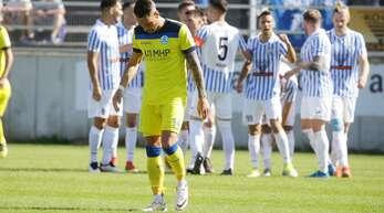 Enttäuschung bei Markus Obernosterer und den Stuttgarter Kickers nach der 0:1-Niederlage in Pforzheim.