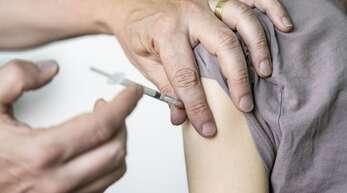 Kann man sich in Deutschland bald auch mit dem Novavax-Vakzin gegen das Coronavirus impfen lassen? (Symbolbild)