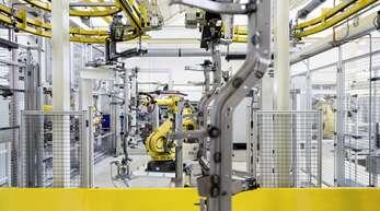 Zwar ist allgemein in der Wirtschaft am Oberrhein ein Aufwärtstrend erkennbar, doch einzelne Branchen wie die Automobilindustrie oder das Gaststättengewerbe leiden stark unter Fachkräftemangel und geänderten Rahmenbedingungen.