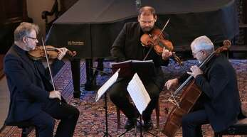 Das Dresdner Streich Trio in der Alten Kirche Fautenbach.