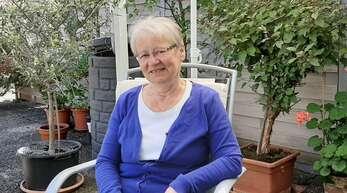 Rosi Grießmayer ist seit vielen Jahren im Auftrag des Seniorennetzwerks Oberkirch unterwegs und kümmert sich dabei um ältere Menschen.