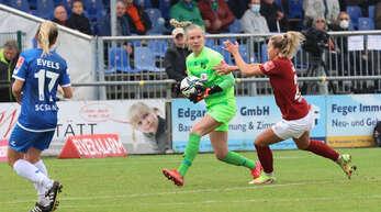 Sands Torhüterin Jasmin Pal zeigte auch gegen Potsdam eine ganz starke Leistung. Die Österreicherin hielt sogar einen Elfmeter.