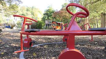 Am Spielplatz beim Bahnhof Mitte suchen eher Familien mit kleineren Kindern einen Zeitvertreib.