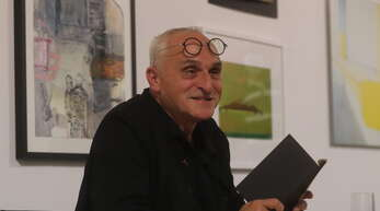 José F.A. Oliver liest beim Künstlerkreis Ortenau.