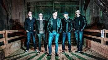 """Beim Helpfest in Schapbach treten drei Bands auf. Darunter ist auch die Coverband """"Fire at Five"""" aus dem Raum Wolfach."""