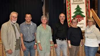 Der amtierende Turngau-Vorstand, von dem vier Mitglieder wiedergewählt wurden: Joachim Seidel (von links) aus Hüfingen, Reinhold Klausmann (Rötenbach), Präsidentin Inge Wolber-Berthold (Schiltach), Walter Köpfler (Löffingen), Silke Endress (Hornberg) und Iris Bilharz (Haslach).