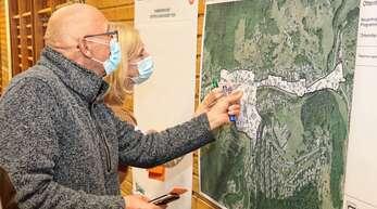 Das Interesse der Bürger an dem Konzept zur Dorfentwicklung war groß, während der Veranstaltung durften sie ihre Schwerpunkte setzen und diese werden für die weiteren Überlegungen aufgenommen.