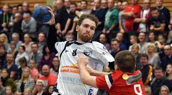Yannick Metier (Ottenheim) gegen Bastian Funke (Meißenheim/r.) – das Derby hat die Fans schon immer fasziniert.