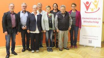 Die alte und neue Vorstandschaft der Windschläger Nachbarschaftshilfe.