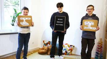 Enrico, Piere Luigi und Julian werben anlässlich des heutigen Welttags des Stotterns um Verständnis für Betroffene. Die drei Jungs aus Offenburg lernen gemeinsam mit einer Logopädin, besser mit der Redeflussstörung umzugehen.