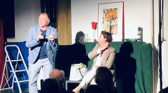 """Die beiden Vollblutkomödianten des """"Theater der 2 Ufer"""" Gabi Jecho und Horst Kiss spielten ein langjähriges Ehepaar in alltäglichen Situationen."""