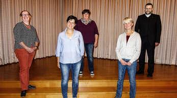 Der neue Vorstand der Frauengemeinschaft Wolfach/Halbmeil (von links): Barbara Dorn, Heike Schamm, Daniela Decker, Antje Schamm und Präses Hannes Rümmele.
