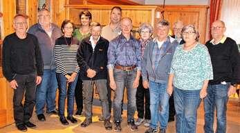 Sie bilden den Vorstand des VdK Oberkirch: von links Dieter Roth, Hans-Georg Wulf, Rosemarie Kreider, Maria Nicolai, Klaus Kruse, Hubert Grunwald, Horst Marksch, Christa Debatin, Michael Schreiber, Gerhard Blaschke, Marie-Anne und Wolfgang Lacherbauer.