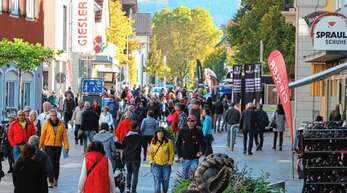 Der verkaufsoffene Sonntag zog ein breites Publikum in die Oberkircher Innenstadt.