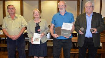 Der Historische Verein in Freistett konnte vor der Auflösung bewahrt werden, von links Reinhold Durban, Uta Heidt (stellvertretende Vorsitzende), Rudolf Hänßler und Vorsitzender Klaus Fritz.