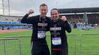 Der Halbmarathon von Amsterdam ist geschafft: Florian Ziegler und David Fritsch (r.) sind glücklich.