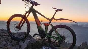 Mit dem Mountainbike – ob mit oder ohne E-Unterstützung – geht es beim TV auf Tour.