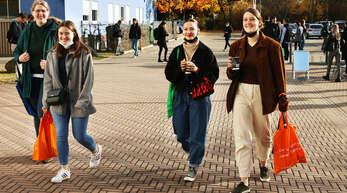 Die Stimmung bei der Berufsmesse am Mittwoch war gut. Bei schönem Wetter kamen viele Besucher auf das Gelände der Fachhochschule Offenburg. Die Veranstalter zeigten sich zufrieden.