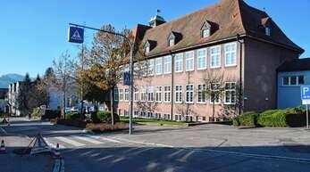 Die Geschwister-Scholl-Grundschule steht stellvertretend für alle vier Standorte in Gengenbach. Es geht um die Frage: alle sanieren oder für alle neu bauen?