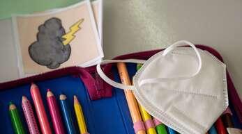 Seit Montag gilt an baden-württembergischen Schulen keine Maskenpflicht im Unterricht mehr.