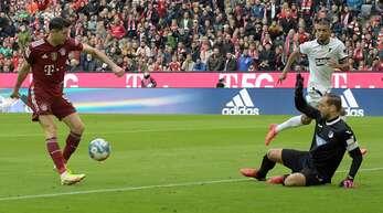 Robert Lewandowski hat in bisher 18 Partien gegen den Torhüter Oliver Baumann bereits 20 Tore erzielt.